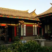 100-years-old-private-courtyard-2